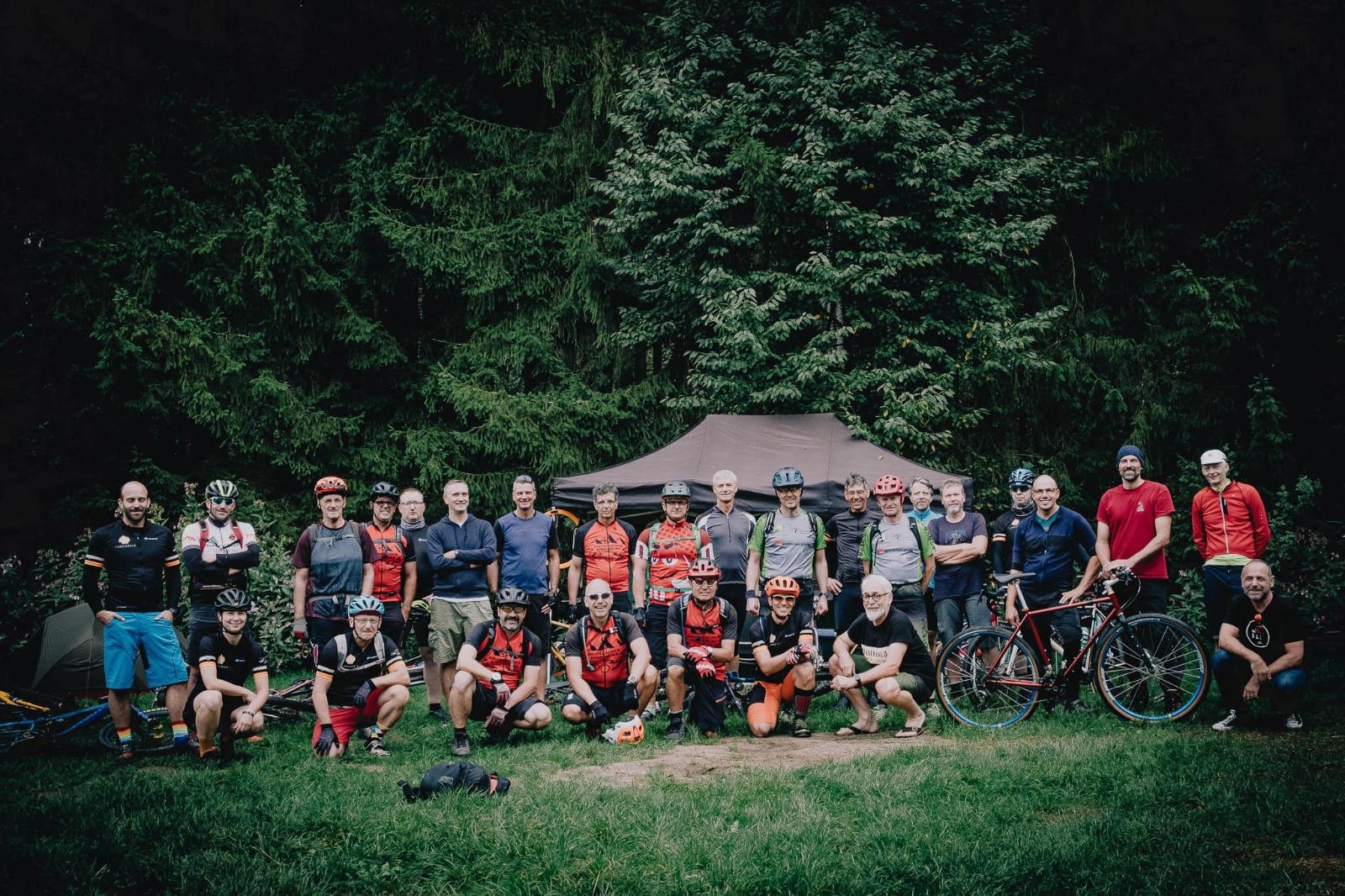 Bromischer Bike Buwe als Guides beim 9. Steel Rides The Forest unterwegs